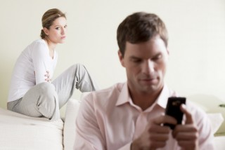 infidelity-cellphone-spying